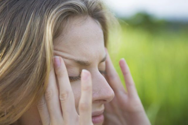 11 Commonly Used Pressure Points for Headaches