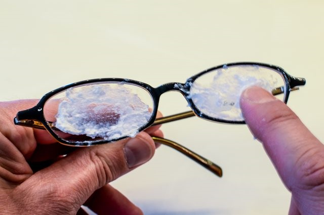 Pass This On The Lenses Of Your Glasses And Remove All The Scratches